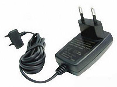 Закарпатець намагався ввести 200 зарядних пристроїв до телефонів