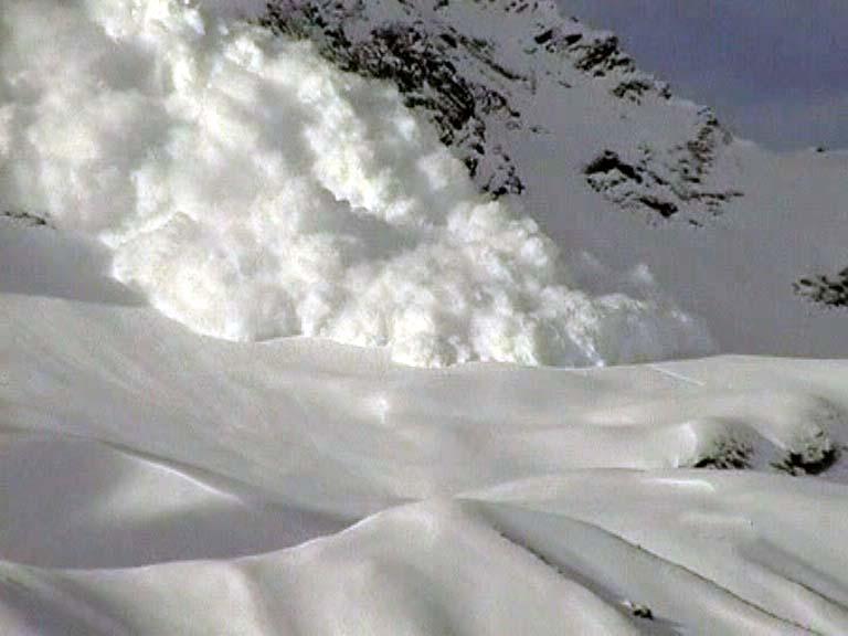 Знайдене тіло другого сноубордиста, що потрапив під лавину поблиз Пилипця