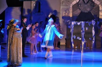 """В Ужгороді відбулась шоу-програма """"Під Старий Новий рік"""""""