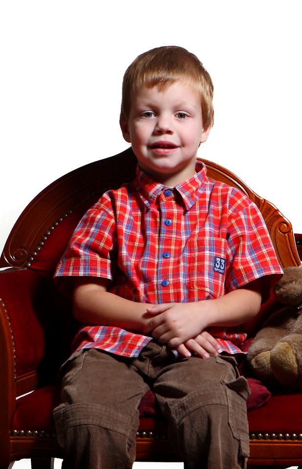 Шестирічному ужгородцю Роберту Пуйко терміново потрібна Ваша допомога