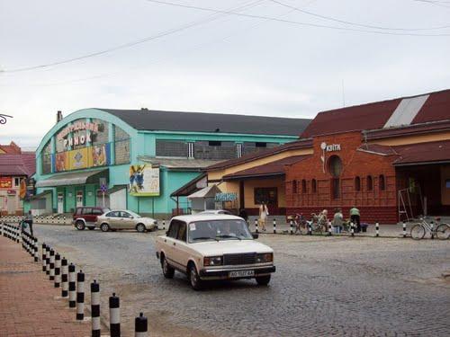 У Мукачеві біля Зеленого ринку померла людина (ОНОВЛЕНО)