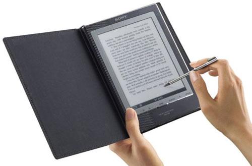 Книги закарпатських письменників можна буде читати і на електронних носіях (ВІДЕО)