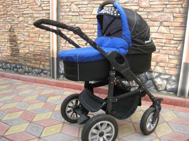 Мукачівка поцупила дитячий візок, аби розрахуватись за житло