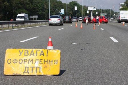 На Тячівщині 25-річний водій насмерть збив жінку