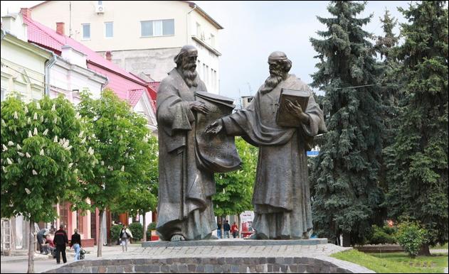 Цієї неділі в Мукачеві стартують безкоштовні екскурсії по місту