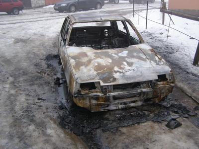 На Рахівщині повністю згорів автомобіль (ФОТО)