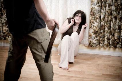 На Мукачівщині ревнивий чоловік намагався підпалити свою дружину
