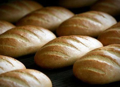 Закарпатський юрист висловив Азарову своє невдоволення цінами на хліб