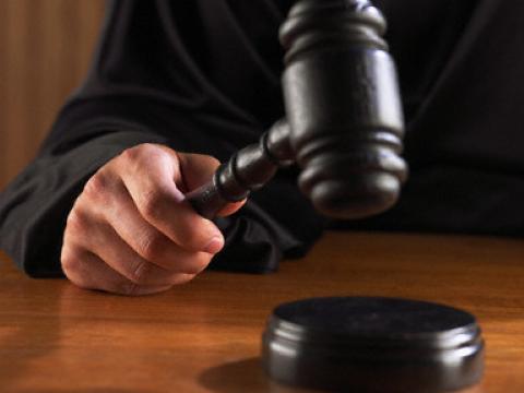 У Берегові засудили 22-річну дівчину за незаконне виготовлення й зберігання наркотиків