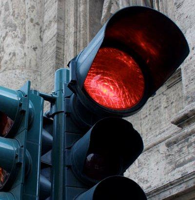В Ужгороді зачасту червоне світло не є забороною руху (ВІДЕО)