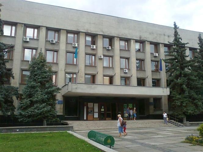 Прокуратура провела обшук в Ужгородській міській раді та вилучила документи для доведення фактів зловживання службовим становищем