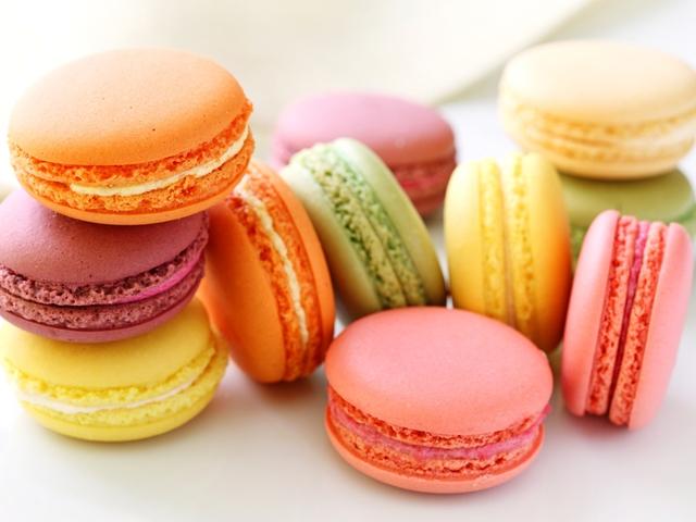Популярне французьке печиво – макарун – від сьогодні продаватиметься в Ужгороді