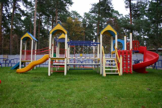 У Закарпатті позапланово перевірять стан дитячих і спортивних майданчиків