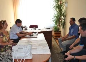 Жителі села Великі Лази поділилися з Віктором Ледідою як досягненнями, так і проблемами