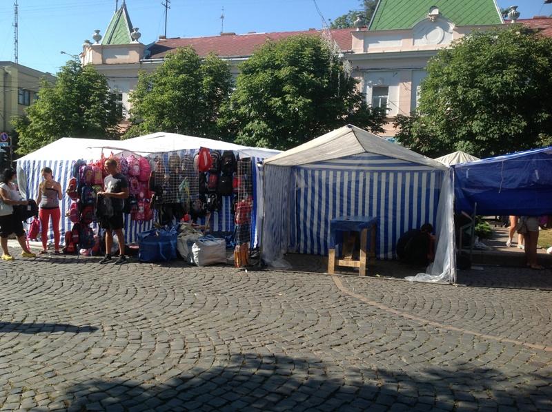 У Мукачеві відкрилась шкільна ярмарка (ФОТО)