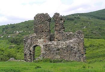 На Виноградівщині археологи розкопали унікальні знахідки часів Середньовіччя (ВІДЕО)
