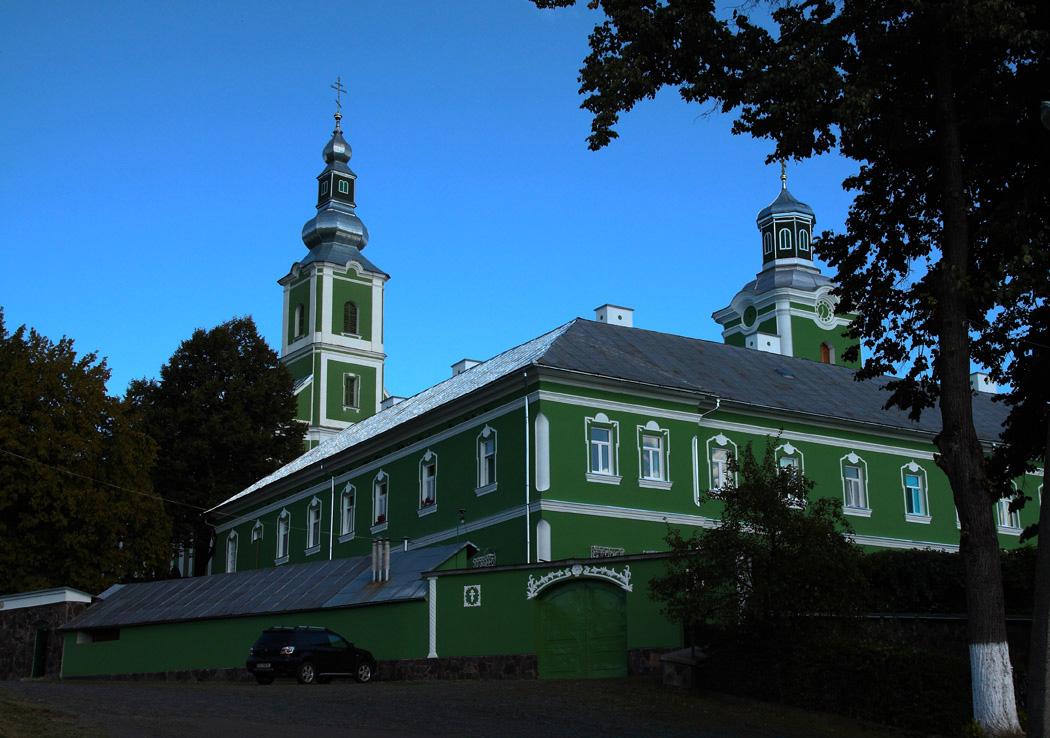 Мукачівський міськвиконком заборонив на свято Успіння Пресвятої Богородиці торгувати біля монастиря