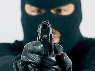 В Ужгороді невідомі в масках та з пістолетом у руках пограбували будинок, який був під охороною міліції