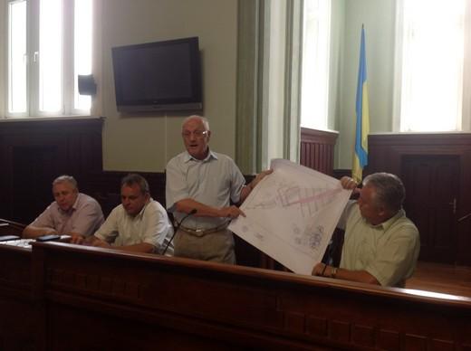Чиновники Мукачівської ратуші розповіли кому роздали землі водозабору