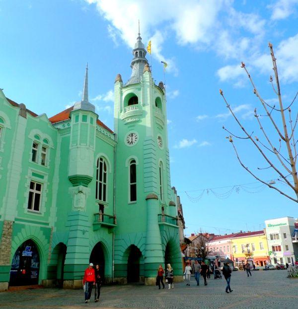За відсутності мера Мукачева секретар міської ради оголосив про скликання чергової сесії