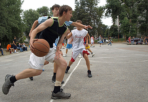 """БК """"Мукачево"""" програв у фіналі зі стрітболу ужгородському """"Титаніку"""""""