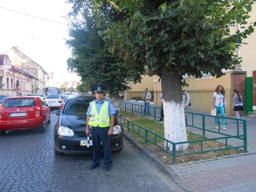 Державтоінспекція Мукачівщини нагадує водіям, що від сьогодні на дорогах району побільшало дітей