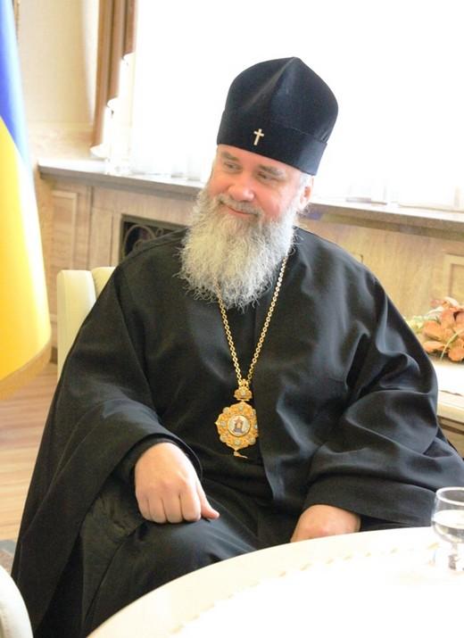 Архієпископ Феодор зустрівся з губернатором, щоб вирішити питання з документами (ФОТО)