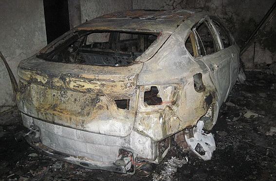 У Ракошині згорів гараж разом із автомобілем BMW-X6 та двома квадроциклами (ФОТО)