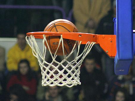 Баскетболісти УжНУ стартували в першій лізі України з прикрої поразки