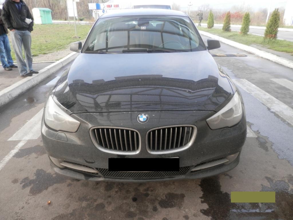 Прикордонники Мукачівського загону вилучили у громадянина Чехії розкішне авто