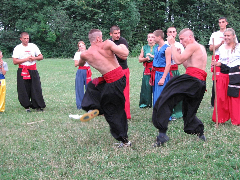 Ужгородців знайомитимуть із бойовими мистецтвами