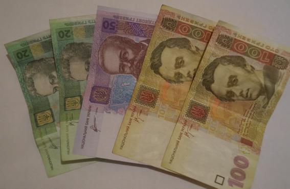 Щоб повернути борг в одному магазині, жінка вкрала гроші в іншому (ФОТО)