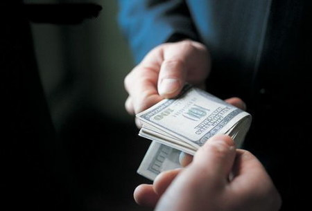 """Закарпатська прокуратура """"займається"""" 41 цьогорічним корупціонером"""