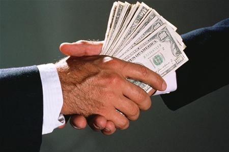 Цьогоріч на Закарпатті уже звільнили з роботи 10 корупціонерів