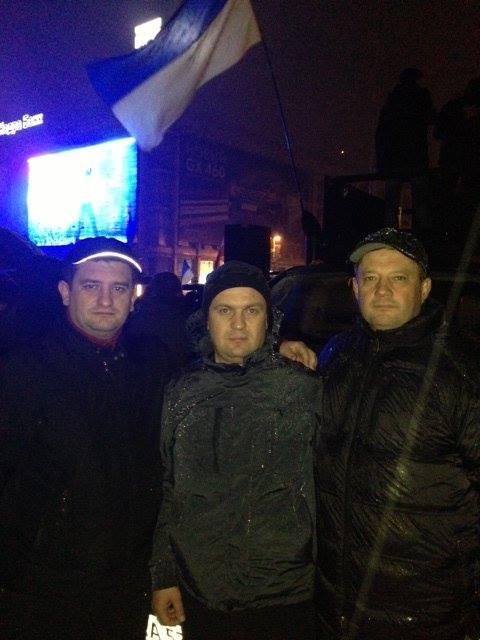 """На """"Євромайдані"""" з усіх закарпатських нардепів до ранку вистояв лише Пацкан (ФОТО)"""