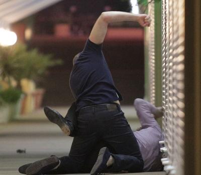 У Мукачеві вночі побили та пограбували чоловіка