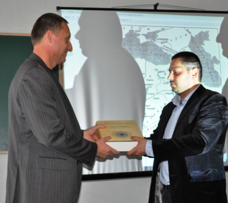 Про Вірменію і світ говорили в Ужгороді на відкритій лекції (ФОТО)