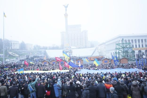 У Києві на Євромайдан зібрались більше 100 тисяч людей – мукачівські активісти з місця події