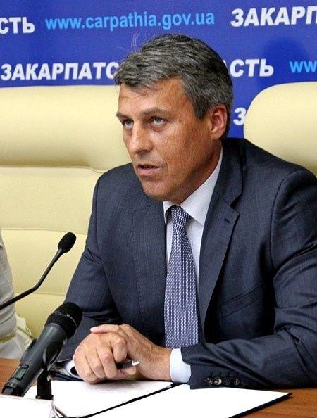 Жителі Виноградова закликали Івана Бушка вийти з Партії регіонів