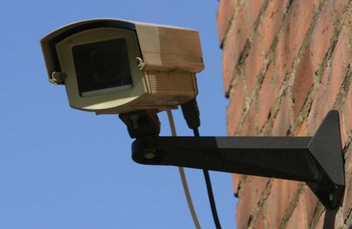 """Мукачівське відділення """"Укрсиббанку"""" за одну ніч залишилось без двох камер спостереження"""