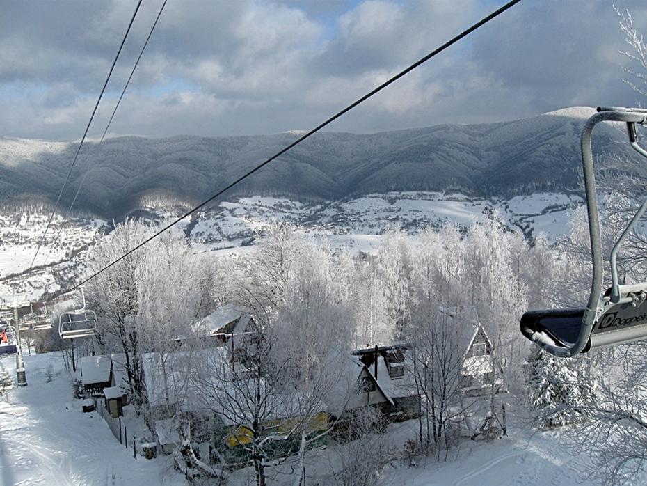 Через погодні умови найпопулярніший гірськолижний курорт Закарпаття не працюватиме на свята