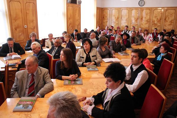 Олександр Ледида зустрівся із головами національно-культурних товариств