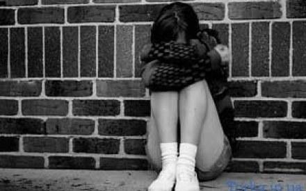 Причиною втечі 16-річної дівчини з дому стала надмірна опіка батьків