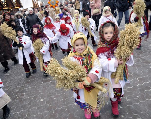 Різдвяна ніч на Євромайдані минула без провокацій (ВІДЕО)