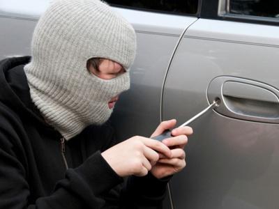У Мукачеві пограбували автомобіль туриста із Запоріжжя