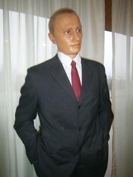 До Ужгорода завітали Володимир Путін, Майк Тайсон та ще чимало інших відомих у світі людей... воскових щоправда