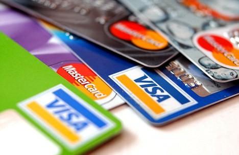 В одному з ресторанів Мукачева від чоловіка вкрали кредитну картку, з якої у подальшому було знято 10 тисяч гривень