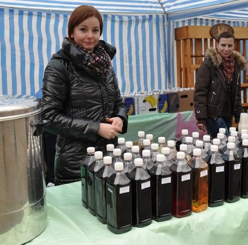 """На фестивалі """"Червене вино – 2014″ за чотири дні планують продегустувати більше трьох тисяч літрів вина (ВІДЕО)"""