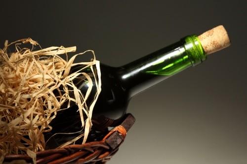 Заради випивки чоловік пішов красти до сусідки: знайшов лиш вино і консервацію