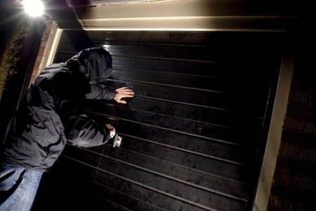 Міліція розкрила крадіжку, здійснену безробітним юнаком ще весною минулого року